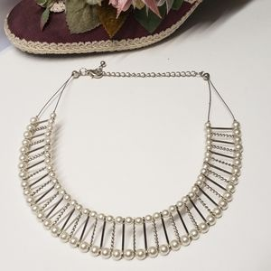 Elegant Faux Pearl Necklace